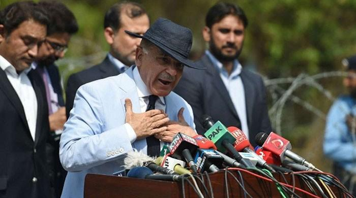 Imran running economy through words rather than logic: Shehbaz Sharif