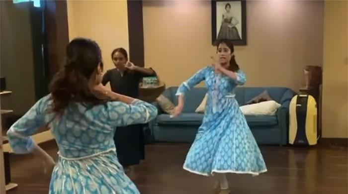Janhvi Kapoor's dance video reminds fans of Sridevi: WATCH