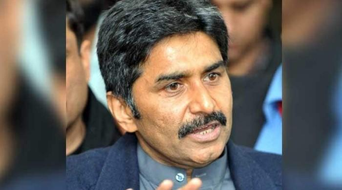 Javed Miandad reacts angrily to mimicry