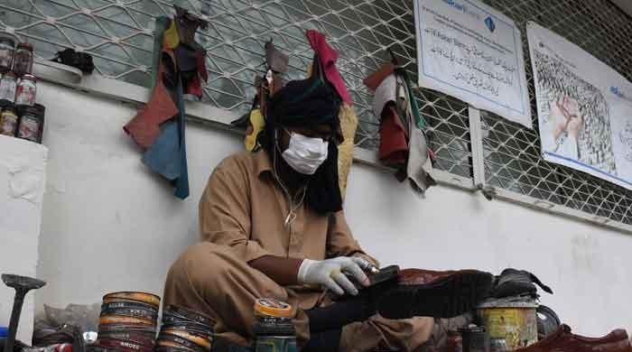 Sindh Rangers raid Karachi property, recover more than 70,000 surgical masks