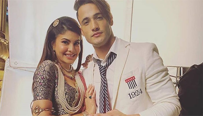 Asim Riaz and Jacqueline Fernandez are super excited about their upcoming video!