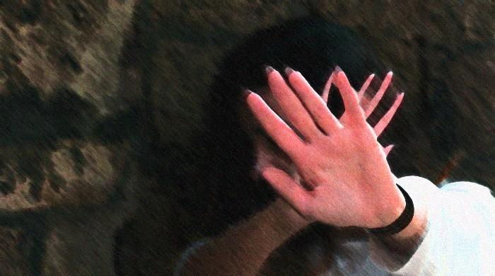 Bahawalpur man douses wife, mother-in-law in acid allegedly over 'domestic spat'