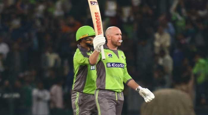 Lahore Qalandars' hero Ben Dunk reveals why he chews gum on field