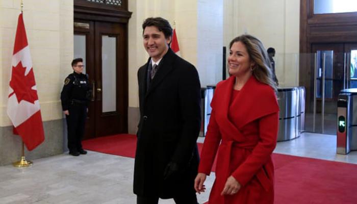 Justin Trudeau self-isolating as wife shows coronavirus symptoms