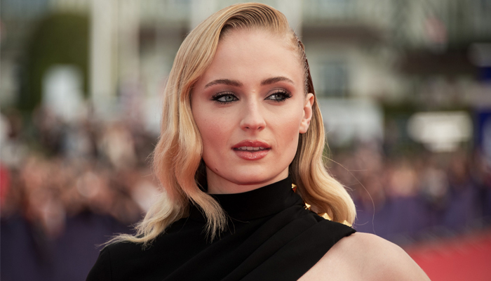 Sophie Turner seemingly slams Evangeline Lilly over social distancing comments