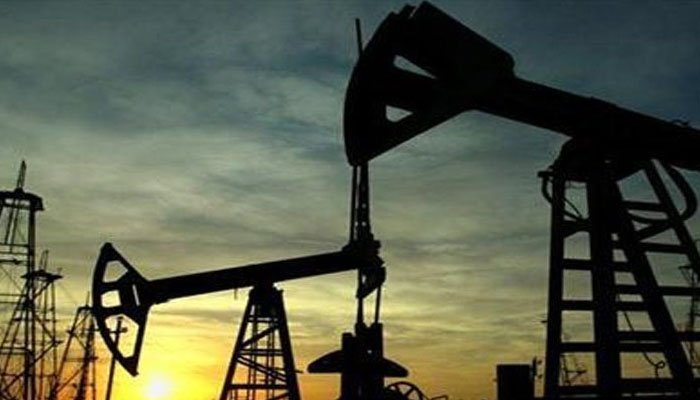 Oil plunges more than 5% despite stimulus efforts