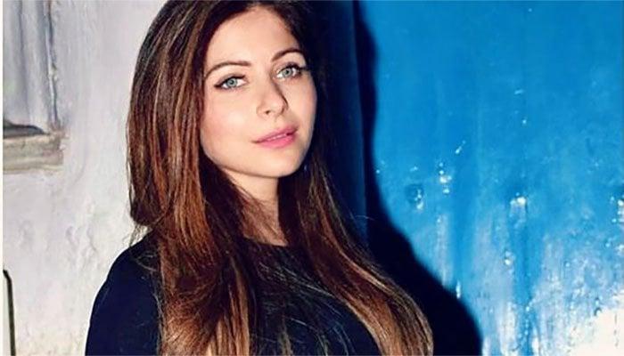 Kanika Kapoor deletes coronavirus diagnosis post from social media