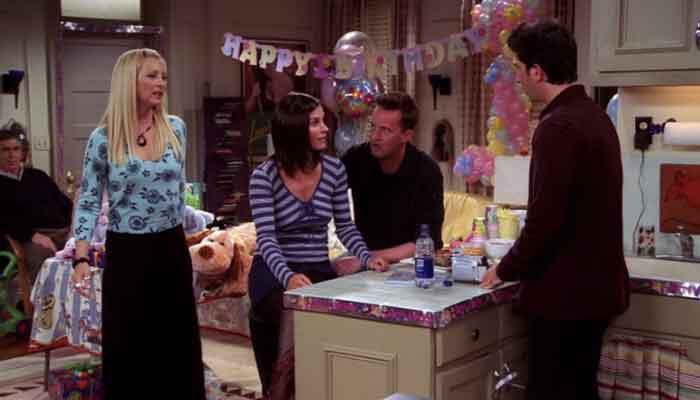 Watch Courteney Cox Hilariously Fail Friends Trivia