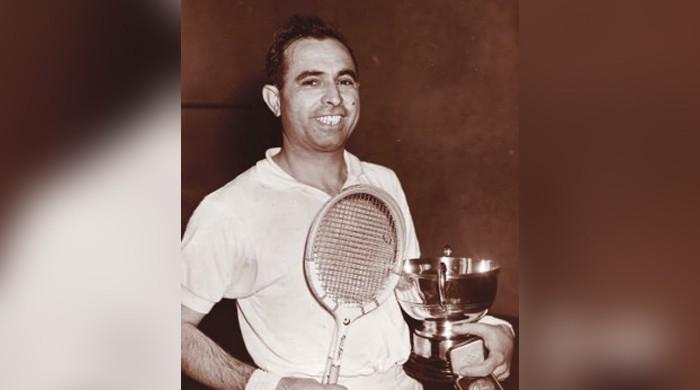 Squash great Azam Khan dies of coronavirus aged 95