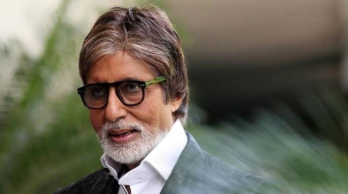 Amitabh Bachchan accused of 'passing' a Charles Darwin quote as his own