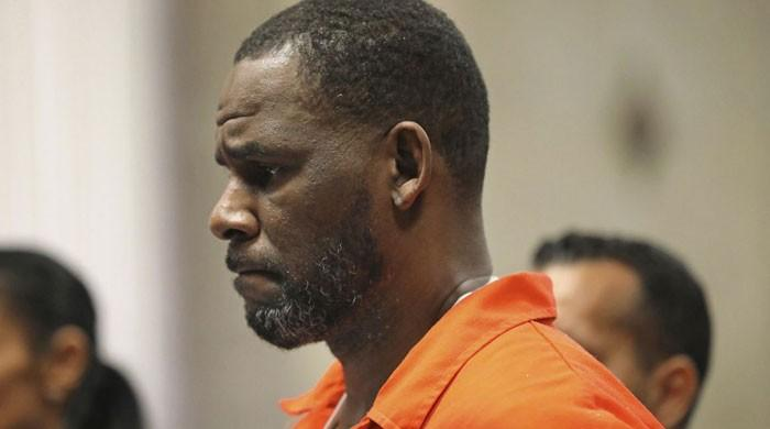 R. Kelly seeks way out of prison over concerns of coronavirus