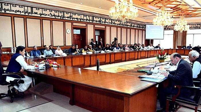 Federal cabinet meets to approve coronavirus relief package, discuss economy