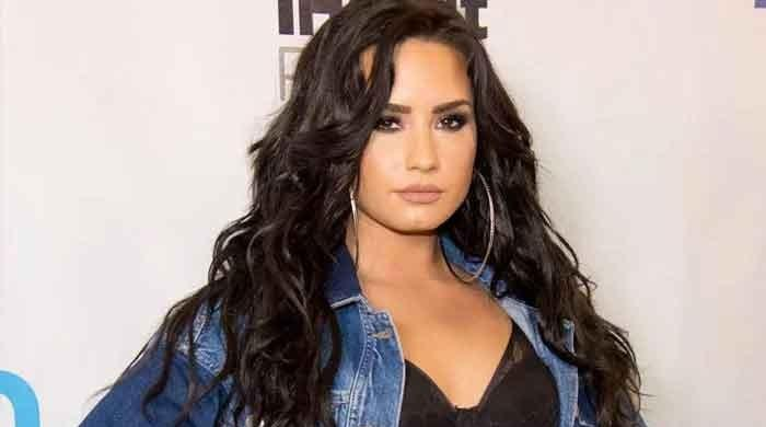 Demi Lovato is talking to Katy Perry and Ariana Grande in self-isolation