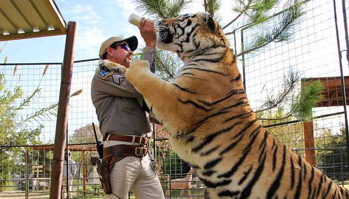 'Tiger King' Joe Exotic transfered to prison medical facility after coronavirus isolation