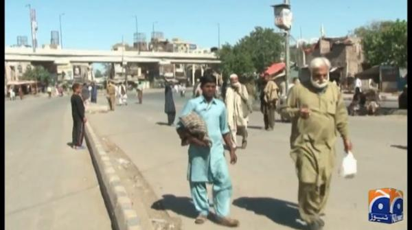 Labourers in Lahore lament over not being able to feed their children during lockdown