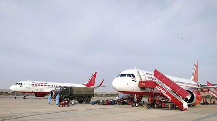Indian aid plane warmly greeted by Pakistan air traffic control