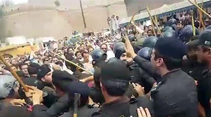 Police arrest protesting doctors and medical staff in Quetta