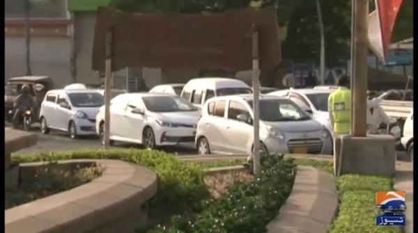 Karachi lockdown: Police implement stringent regulations