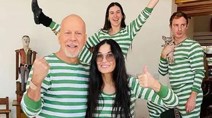 Bruce Willis reunites with ex-wife Demi Moore, shaves daughter's head