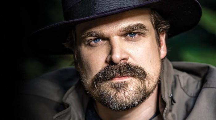 David Harbour shares phone number with the internet for struggling fans
