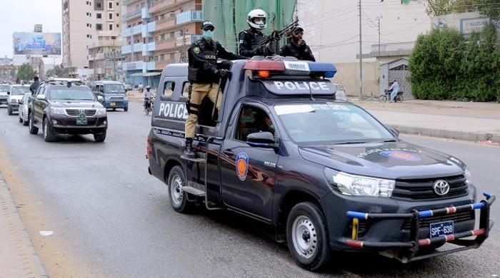In spite of snap checking, street crime in Karachi on the rise during virus lockdown