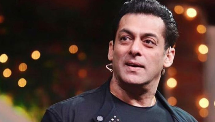 Salman Khan eats breakfast with his love; thanks fans for staying home