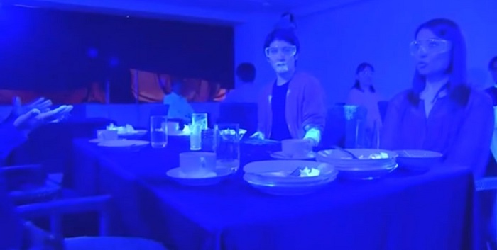 Restaurant blacklight experiment shows speed of how virus may spread