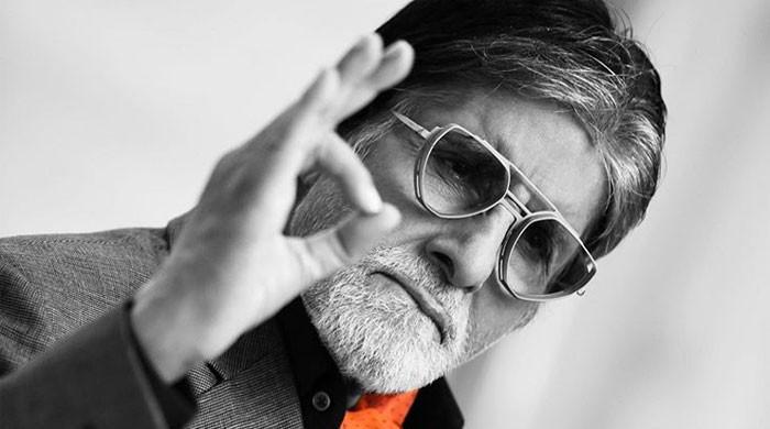 Amitabh Bachchan marks 43 years of film 'Amar Akbar Anthony'