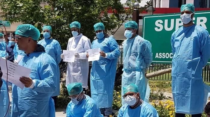 Doctors in Indian occupied Kashmir face harassment, detention amid pandemic