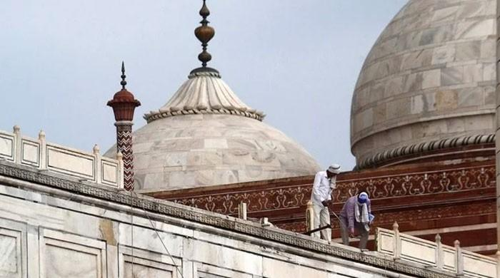 Taj Mahal partly damaged in deadly thunderstorm in northern India