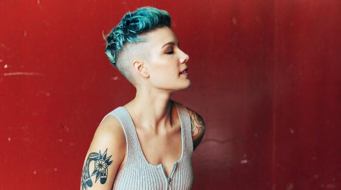Halsey and several others injured after police attacks Los Angeles protesters