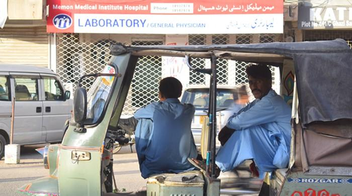 Sindh eases coronavirus lockdown, business to now open five days a week
