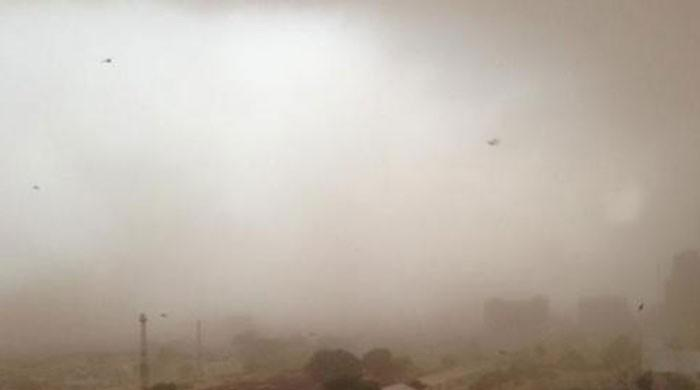 Dust storms kill 6 in Karachi, may hit the city again today