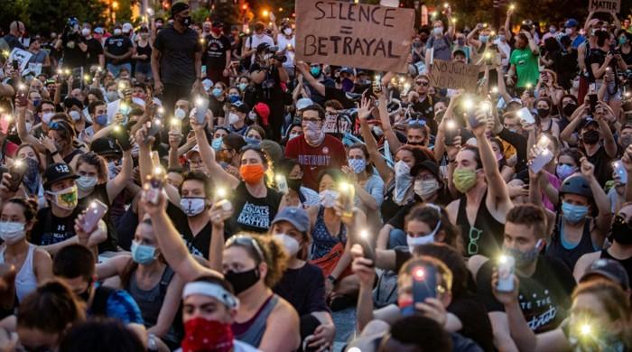 How young people in the US are coordinating street protests online