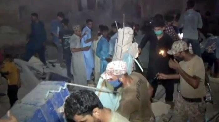 Lyari building collapse: Death toll climbs to 19 as authorities recover 13 more bodies