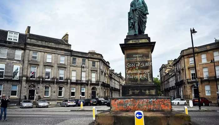 Arlene Foster says 'conversation' needed over statues — George Floyd death