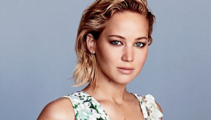 Jennifer Lawrence breaks her no-Twitter rule to support ...