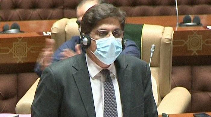 Sindh CM unveils Rs1.24tr budget amid opposition protest