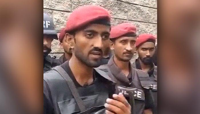 Six killed as gunmen attack Pakistan Stock Exchange