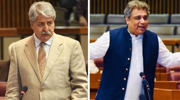PPP's Naveed Qamar takes off coat, challenges PTI's Ali Zaidi to face-off in NA