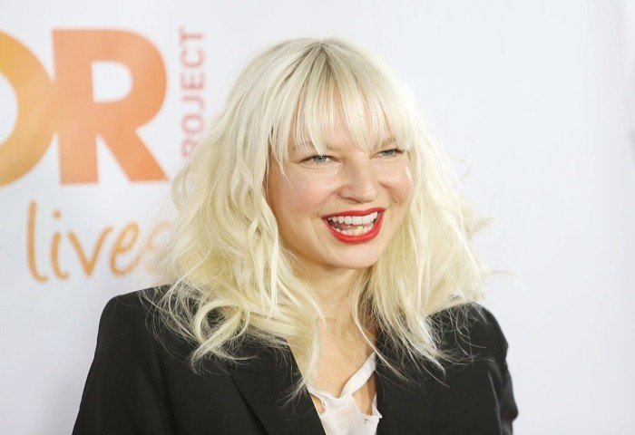 Sia says she stopped Maddie Ziegler from boarding the same flight as Harvey Weinstein - Geo News