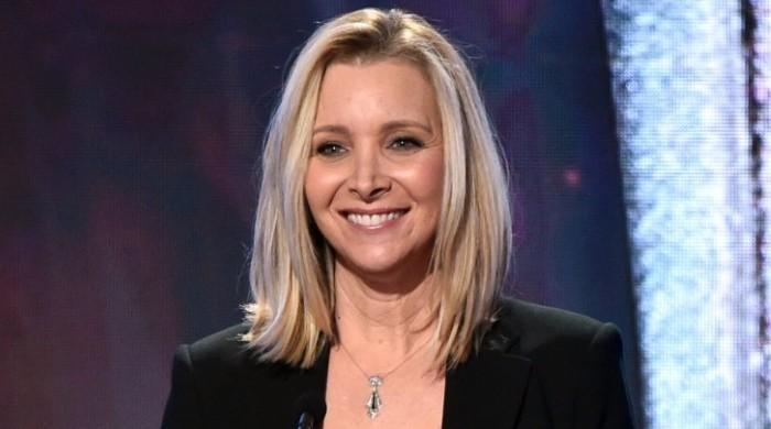 Lisa Kudrow was searched daily on 'Friends' to make sure she doesn't steal