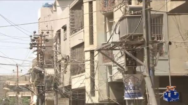 کراچی میں بجلی بارہ بارہ گھنٹے غائب، شہریوں کا صبر جواب دینے لگا