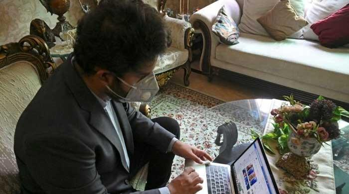Coronavirus: Pakistanis risk lives with unproven plasma treatment