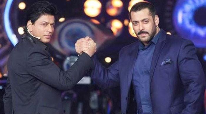 Salman Khan, Shah Rukh Khan wish their fans Eid Mubarak