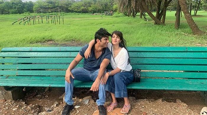 Police unable to locate Sushant's rumoured girlfriend Rhea Chakraborty in Mumbai