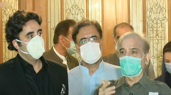Bilawal, Shehbaz speak on phone, discuss govt's failure on Kashmir issue