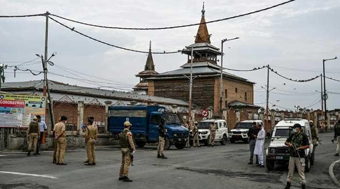 Fearing mass protests, India imposes 'full curfew' in occupied Kashmir