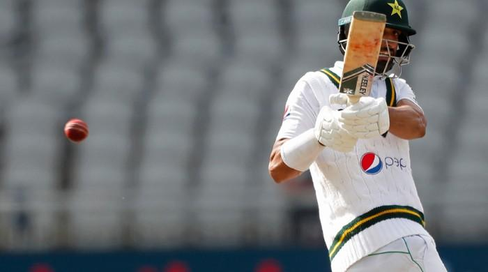 Pak vs Eng: Shan Masood's superb century takes tourists to 326 all out