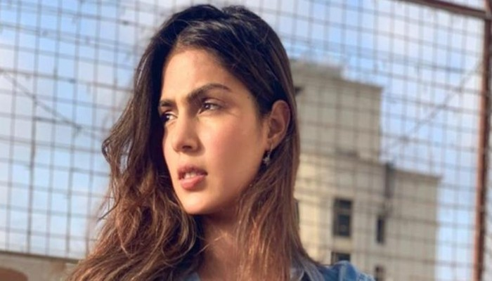 Rhea Chakraborty appears before economic intelligence agency over money laundering claims - Geo News